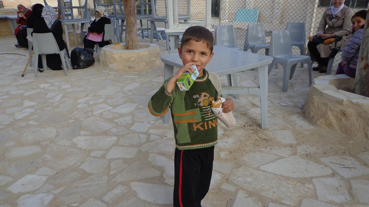 Zarqa, Giordania (2013): Sostegno ai rifugiati siriani arrivati in Giordania