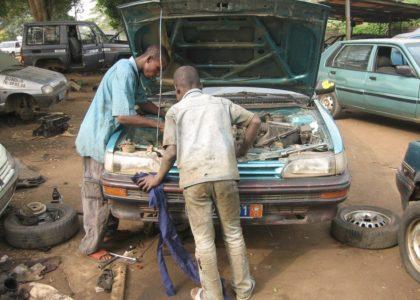 Bonoua, Costa D'Avorio (2010): promuovere lo sviluppo professionale per i giovani locali