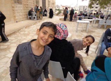 """Zarqa, Giordania (2015): """"Sosteniamo la popolazione siriana arrivata a Zarqa"""""""