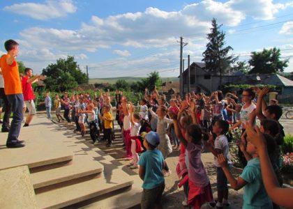 Iasi, Romania – Gioco, scuola e arte: tre passi per l'integrazione (2017)